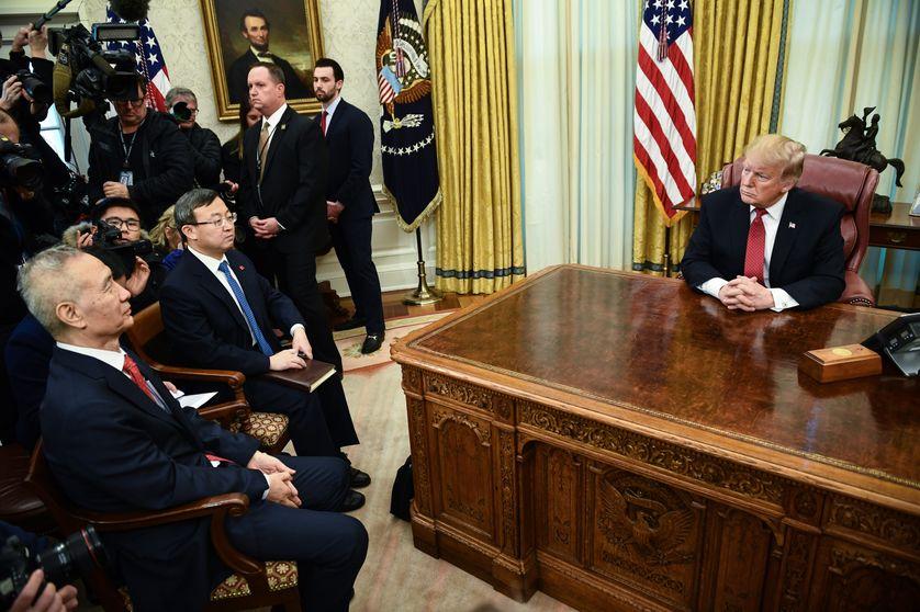Le président américain Donald Trump rencontre le premier ministre chinois Liu He à la Maison Blanche le 31 janvier 2019, Washington DC.